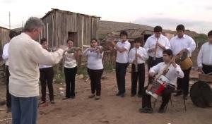 """La Armonía del Vertedero"""" (Landfill Harmonic) - Orquesta de Instrumentos Reciclados de Cateura. Paraguay."""