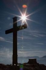 cruz-en-la-montaña